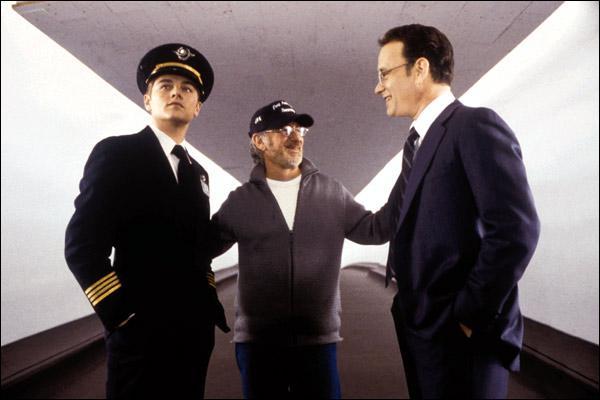 Quel est ce film où Tom Hanks joue le rôle d'un policier traquant un délinquant ?