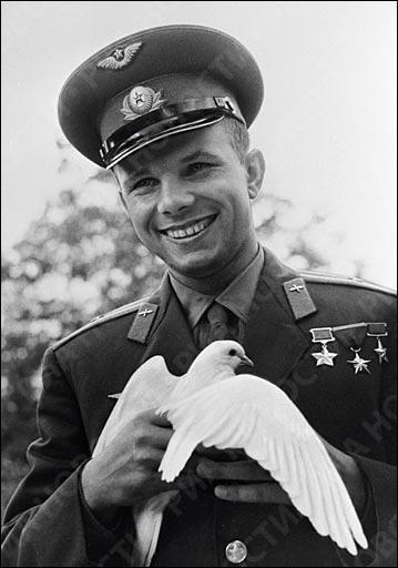 Ce cosmonaute est mort le 27 mars 1968 à bord d'un MiG-15 UTI lors d'une mission de routine à proximité du village de Novossiolovo :