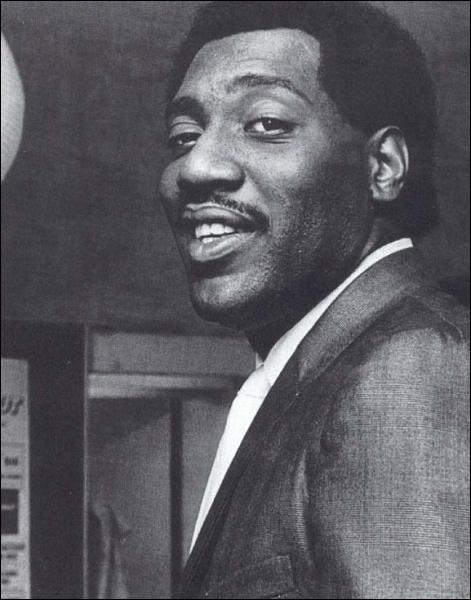 Ce chanteur de soul américain est mort le 10 décembre 1967 à 26 ans dans le crash de son avion personnel dans un lac du Wisconsin :