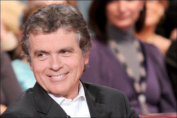 Célèbre pour son fou rire en plein téléthon, c'est Claude ...