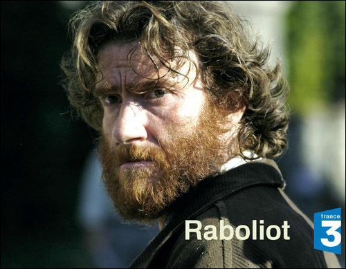 Acteur dans le téléfilm 'Raboliot' et dans 'Espace détente', c'est Thierry ...