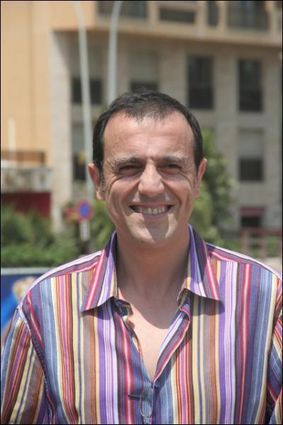 Animateur TV qui a donné la réplique à Patrick Bruel dans le film 'L'union sacrée', c'est Thierry ...