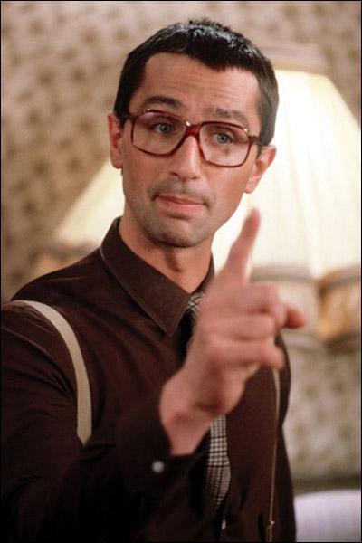 Cet acteur halé (bronzé) a fait de la pub pour Saint Yorre, c'est Thierry ...