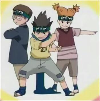 Quel est le nom de la rousse dans l'équipe de Konohamaru ?