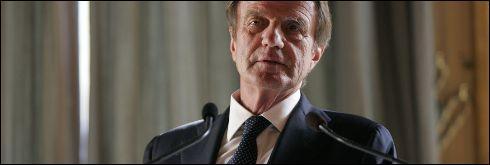 De passage à New York, Bernard Kouchner a fustigé 'l'esprit français' qu'il trouve 'pénible'. Comment le définit-il ?