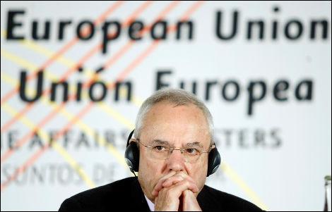 L'ex-commissaire européen Jacques Barrot peut toucher une indemnité transitoire de 11 250 euros pendant trois ans. Qu'en pense-t-il ?