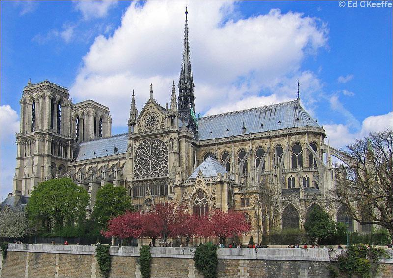 La construction de Notre-Dame de Paris a débuté en 1163 pour s'achever en 1345. Classée au patrimoine mondial en 1991 Notre-Dame de Paris est une ...