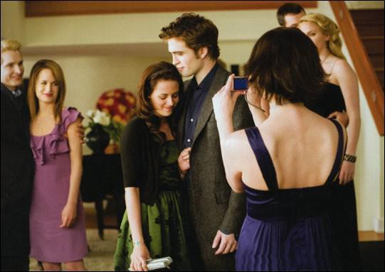 Pour quelle occasion Bella se retrouve dans la maison des Cullen ?