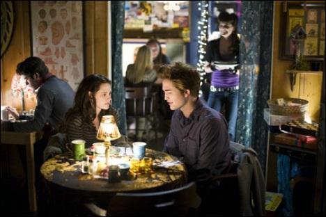Dans quel restaurant se trouvent Bella et Edward ?