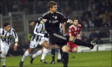 Roi des penalties, ce portier allemand en a notamment inscrit un en Ligue des Champions lors de la saison 2009-2010 face à la Juventus Turin...