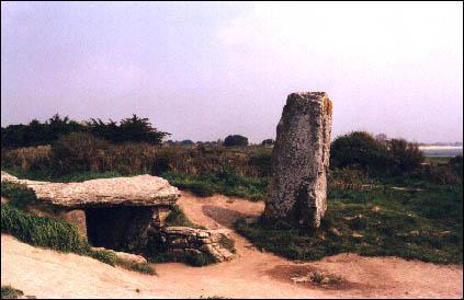 Où se situe ce site mégalithique ?