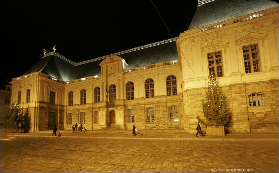 Comment s'appelle le monument le plus célèbre de Rennes ?