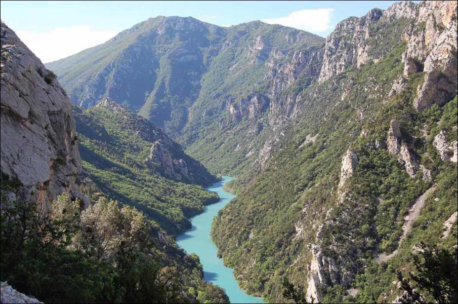 Sur quels départements se déroulent les gorges du Verdon ?