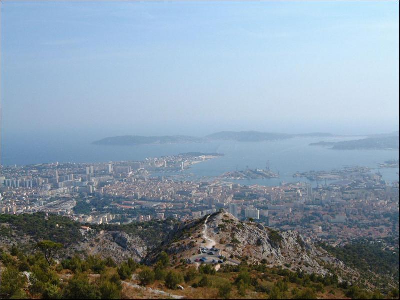 Toulon est un port ?