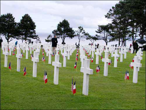 Sur quelle plage du débarquement se trouve le grand cimetière américain de Colleville ?