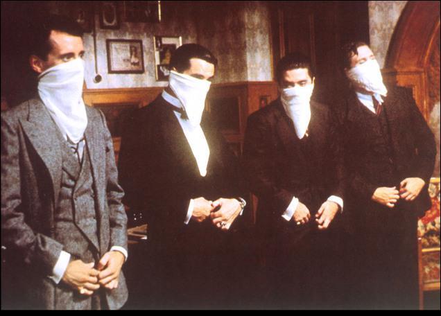 Quel est ce film où de Niro incarne un trafiquant d'alcool pendant la prohibition ?