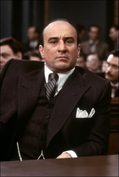 Quel est ce film où de Niro incarne Al Capone ?