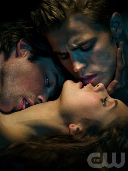 Comment s'appelle l'ex de Stefan et Damon ?