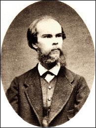 Sa femme le quitte en avril 1874, il est condamné à lui verser une pension alimentaire de 1200 francs par an. Il rédige en prison :