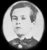 Paul Verlaine naît à Metz en mars 1844. À dix huit ans, il est bachelier ès lettres, s'inscrit en droit mais abandonne ses études pour un premier travail. Où travaille-t-il ?