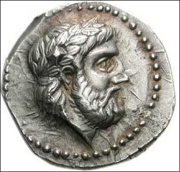 Mes attributs sont 'l'aigle, le sceptre et le foudre' mon nom romain est Jupiter. Je suis le Dieu. .