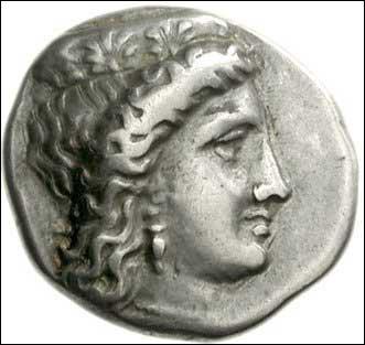 Mes attributs sont 'le paon et la grenade' mon nom romain est Junon. Je suis la Déesse. .