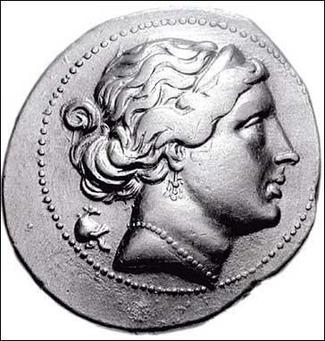 Mes attributs sont 'la colombe, la rose, le myrte et les coquillages' mon nom romain est Vénus. Je suis la Déesse. .