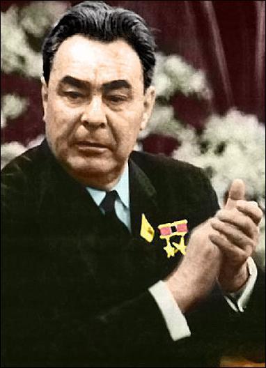 Il fut 2 fois président du Præsidium du Soviet suprême. Quel est son nom ?