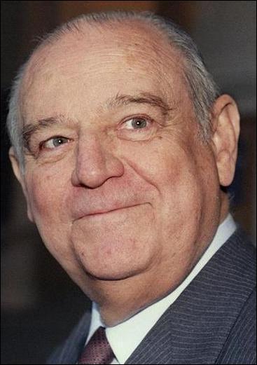 Cet homme politique français, ancien premier ministre de Giscard d'Estaing aimait beaucoup Mozart. De qui s'agit-il
