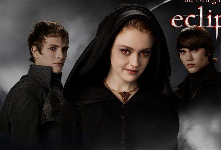 Qui dénonce Renesmée aux Volturi ?