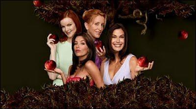 Et enfin, que représente la pomme, qui tombe dans chacune des mains des héroines ?