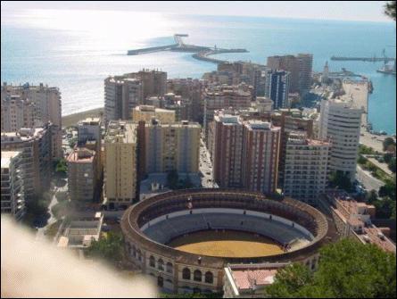 Ville espagnole, principale ville du littorale méditerranéen. Quelle est-elle ?