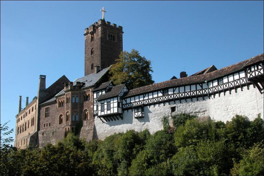 Quelle est cette ville allemande située à l'ouest de la Thuringe ? JS Bach y est né.