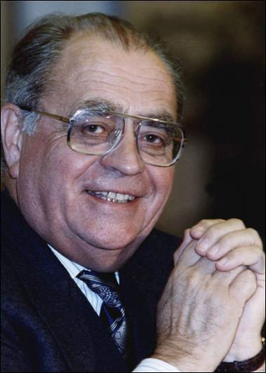 Quel est cet homme politique français qui s'est soi-disant suicidé en 1993 ?