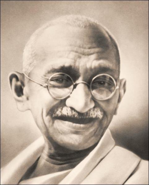 Qui est ce dirigeant politique, important guide spirituel de l'Inde et du mouvement pour l'indépendance de ce pays ?
