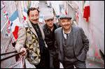 Cinéma. Film de C. Barratier, retraçant la volonté d'un groupe d'homme à sauvegarder ' Le Chansonia', petit cabaret dans lequel ils travaillent.