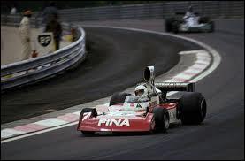 Qui est le constructeur de cette voiture de 1974 ?