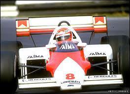 Qui est le constructeur de cette voiture de 1984 ?