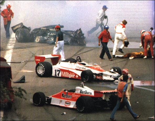 Quel est le constructeur de la 2ème voiture de la photo ( 1978 )