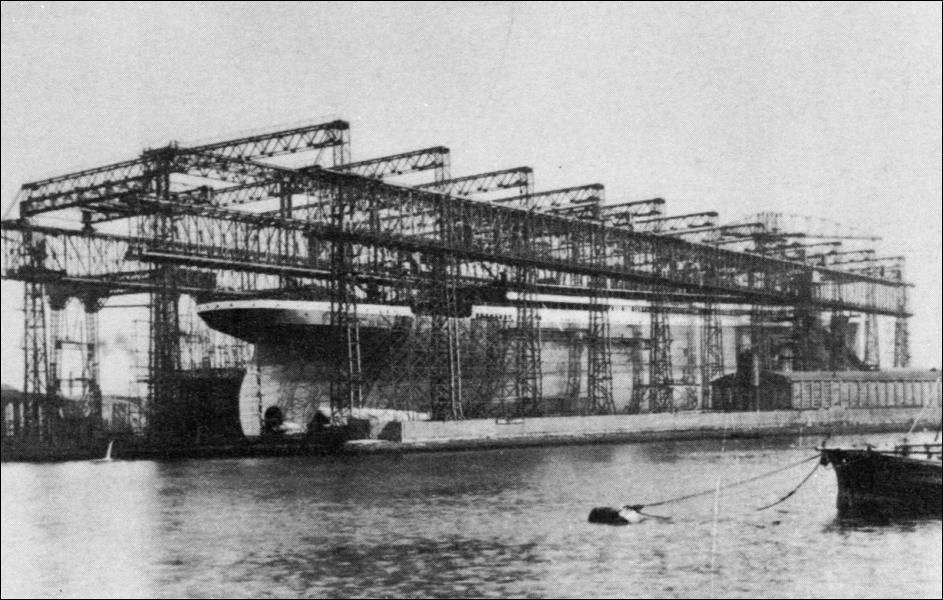 Le Titanic appartenait à une 'fratrie' de trois navires. Comment se nommaient les deux autres ?