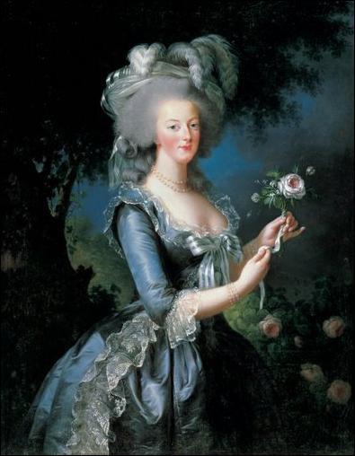Quelle phrase les révolutionnaires ont-ils prêté à Marie-Antoinette, pour faire augmenter la haine contre la reine, alors qu'elle ne l'a jamais prononcée