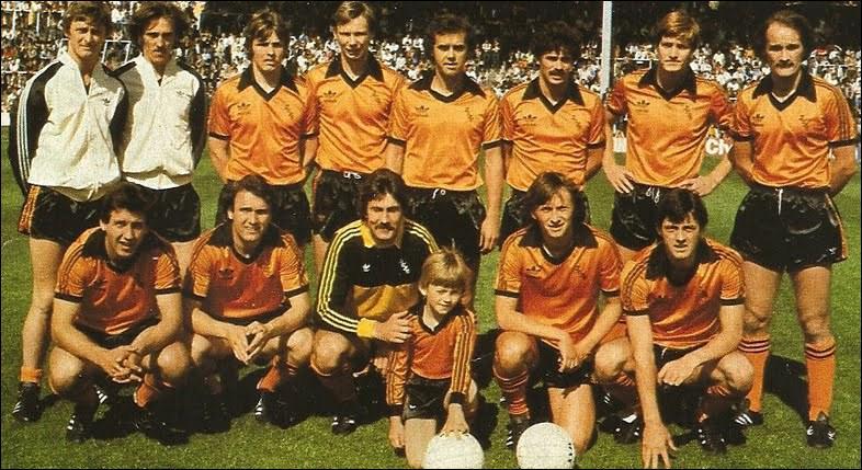 Lens termine 5ème cette saison là et accède à la C3, ce qui permet à Sikora de découvrir la coupe UEFA en 86/87. Hélas, Lens sera sorti au 1er tour, par ce club écossais au maillot orange :