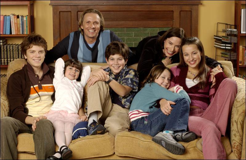 Quelle est cette série Disney Channel de 2005 ?