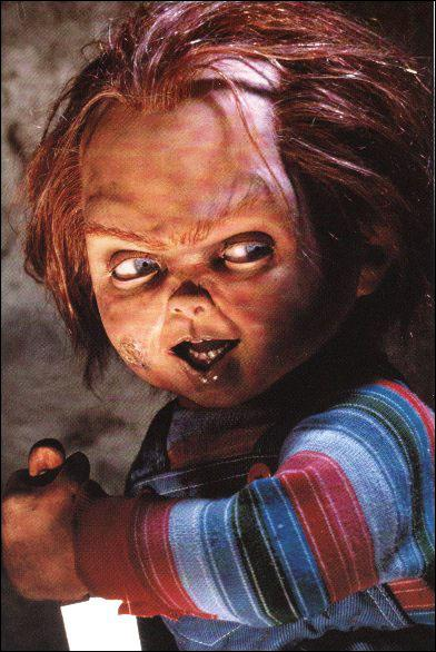 Quel est le prénom du tueur en série intégré dans le corps d'une poupée (Chucky) ?