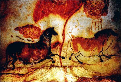 Comment appelle-t-on les peintures qui ornent les murs de la grotte de Lascaux ?