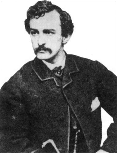 Poussé par ses convictions sudistes, ce comédien très apprécié a assassiné le président Abraham Lincoln.