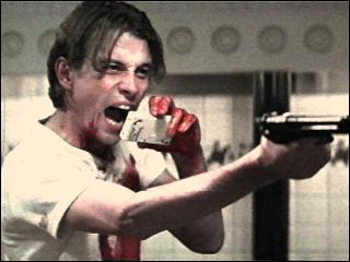 Complète la phrase tirée du film 'Scream' : c'est pas les films qui font de nous des tueurs, ils nous permettent juste d'être un peu plus ...