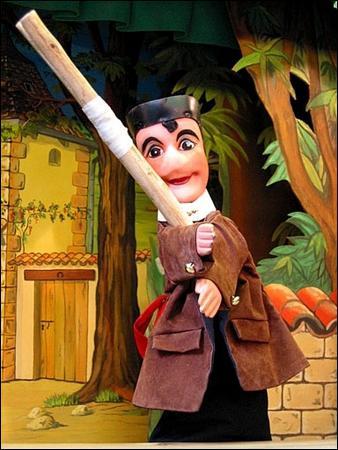 Combien de fois faut-il frapper ce bâton au sol ?