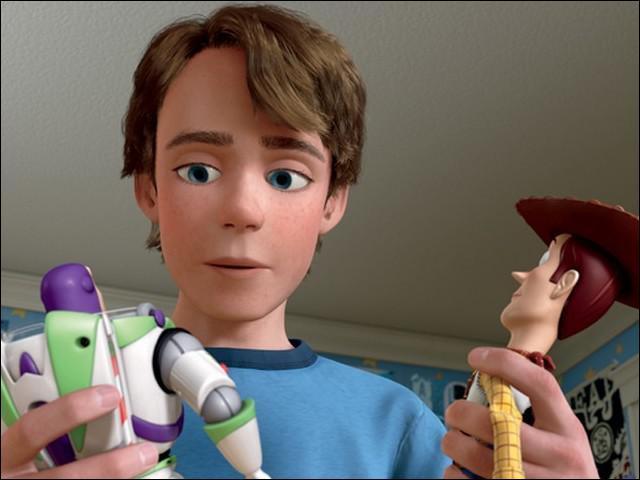 Qui est ce jeune garçon dont les 2 jouets préférés sont Woody le cow-boy et Buzz l'éclair ?