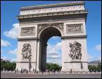 C'est un grand monument de Paris et un très grand rond-point d'où partent 12 avenues. On y a mis le tombeau d'un soldat inconnu de la Première Guerre mondiale.